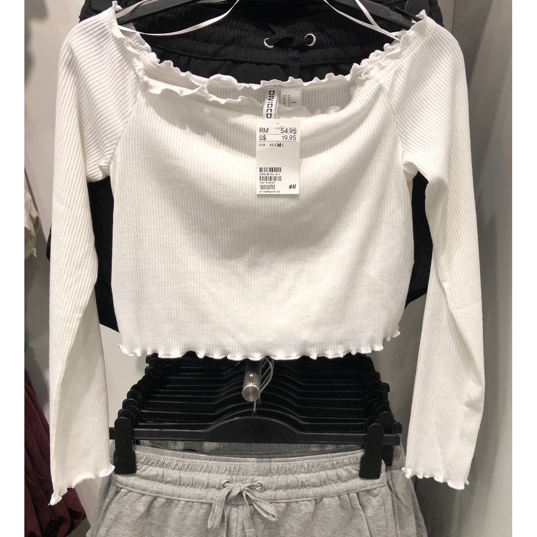 84b6652eecc22e Brand new with tag H&M off shoulder Long sleeve top, Women's Fashion ...