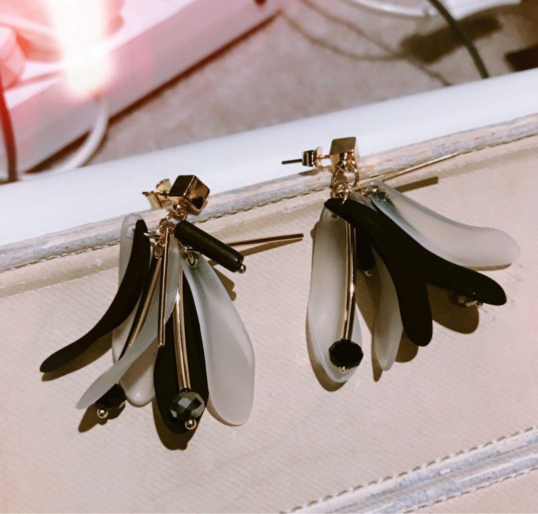 Japanese style Earring