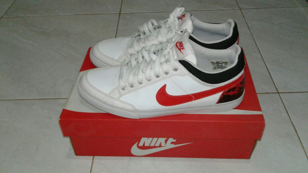 ff4b7e7a2a5 Nike Capri III low Leather