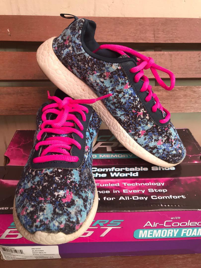 Sepatu skechers women 2ecc784286