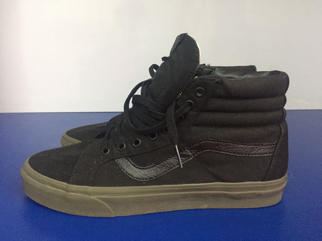Vans Sk8 Hi black with gum sole a9ee13c93