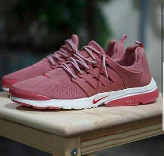 Nike Fresto Maroon