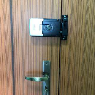 Best digital rim lock for door pin and tag access