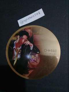 [WTS] Wanna One IPU Night ver  (Lai Kuanlin mirrorcard)