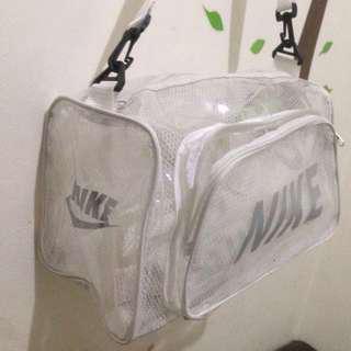 Tas Olahraga Nike