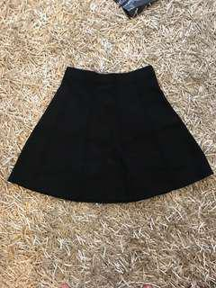 Zara black skirt - only worn once - size small