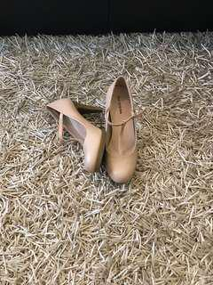 Call it spring nude heels - size 7