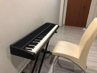 Digital Piano black Korg B1 with X-Stand