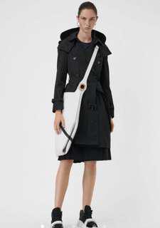 Burberry 可拆式連帽塔夫塔綢風衣!全新!附衣架、衣服防塵袋、備釦!UK6號!台南新天地專櫃買