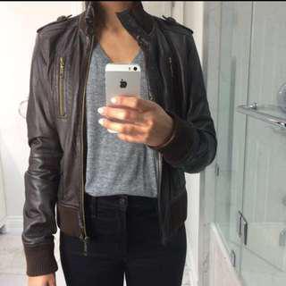Brown leather jacket - size Med