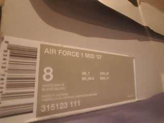 Nike mid Air force size 8