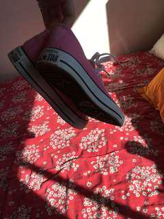 Pink converse mint condition