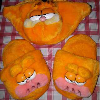 Lightly used garfield home slipper shoe and pouch for kids children toys not hello kitty disney