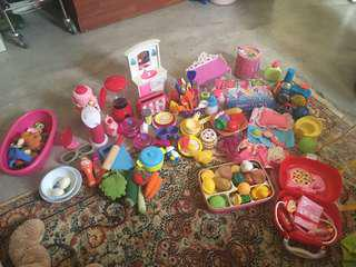 Toy lot for girls