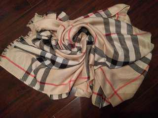 Brand new, Burberry like scarf