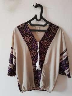 #MauIphoneX brown motif blouse