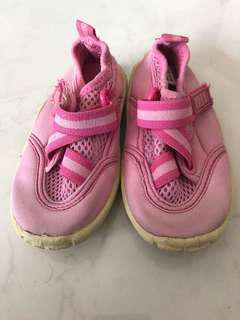 SandTracks Girls' Shoes size 6