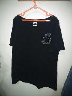 Uniqlo black tshirt