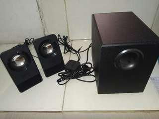 Jual speaker Z213 kondisi mulus