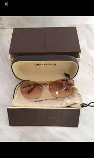 ⭐️Price Reduced 60% to Sell!!!⭐️ LOUIS VUITTON Sunglasses Z0307U