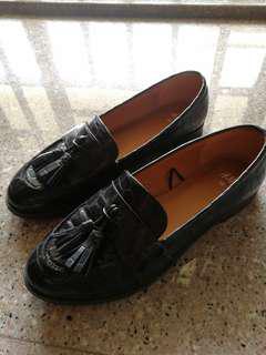 Almost New! H&M Ladies Flat Walk Shoes Black Size EU 38