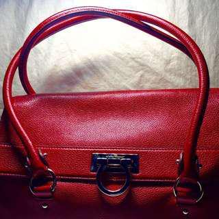 ‼️FINAL SALE PRICE‼️Preloved Authentic Salvatore Ferragamo Leather Bag