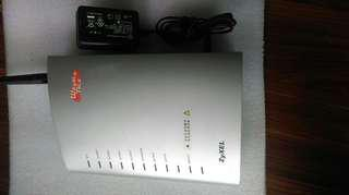 Zyxel  P-2301HWL-P1 wireless router 無線網路分享器