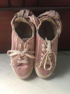 Sepatu pink pita size 30