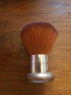 The Body shop blusher round brush