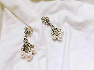 🚚 珍珠寶石耳環