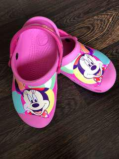 Pre-loved Minnie Mouse pink crocs size 10