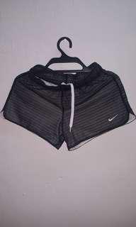 Nike Seluar Pendek