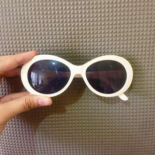 Forever 21 Retro White Oval Clout Goggles Shades / Sunglasses