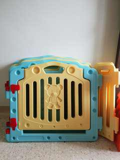 Play Pen with free foam mats