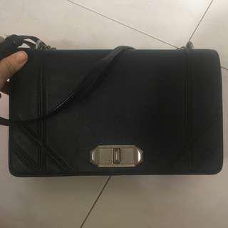 [pending]Charles & Keith sling chain handbag