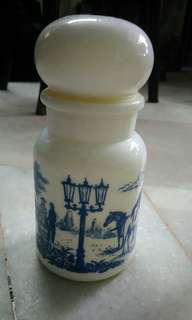 White painting jar