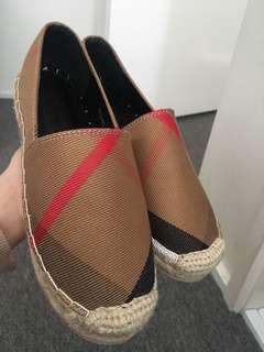 Shoes sz 37