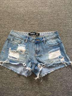 Bardot shorts sz 6