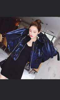 🚚 Minimalist jacket