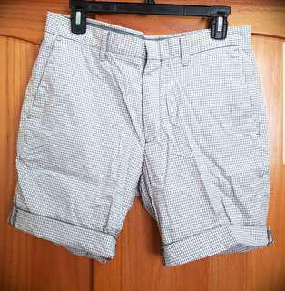 🚚 UNIQLO格子短褲 size M