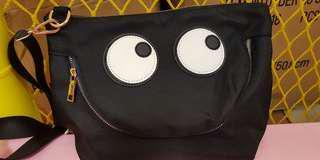 眼睛側背包黑色高雄可自取