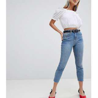 🚚 Petite Mid Wash Cut Off Denim Jeans
