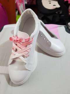 🚚 BN Flower Sneaker