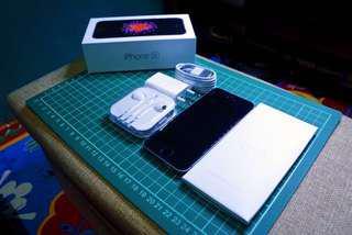 (Sold Out) iPhone SE 64GB (Baru pake 1 minggu)