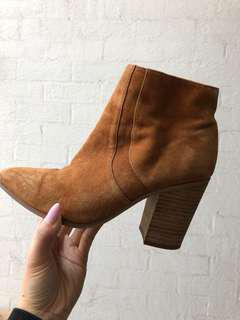 Tan suede ankle boots Tony Bianco 5.5