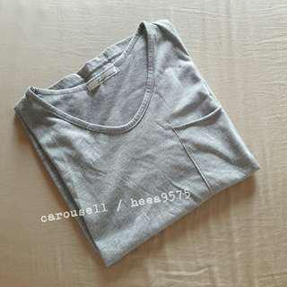 灰色大口袋素面T恤
