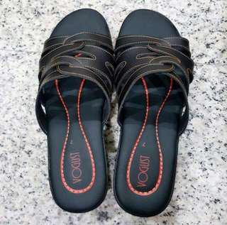 Brand New Women Sandals In Black