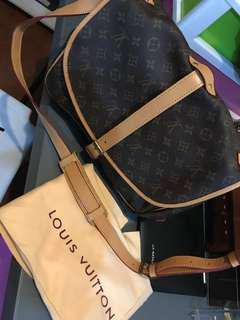 Louis Vuitton LV Saumur 35 with dustbag - newly restored