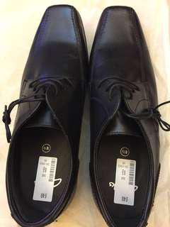 Clark's Leather shoes UK size 8.5