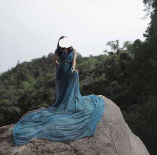 Long trail gown blue gown